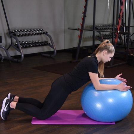 Deska na kolanach na piłce do ćwiczeń