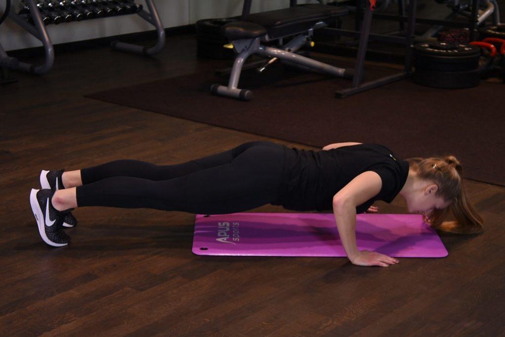 Ćwiczenie Pompki - just be fit