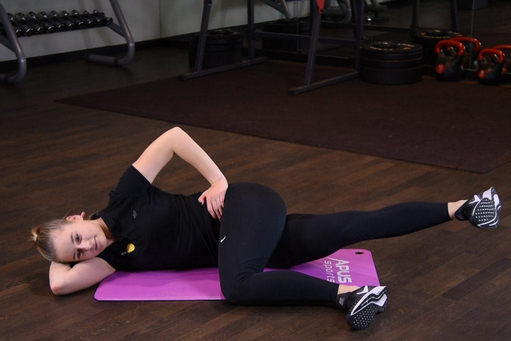 Przywodzenie nogi w leżeniu na boku