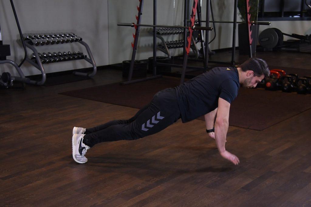 Ćwiczenie Pompki z odbiciem - just be fit