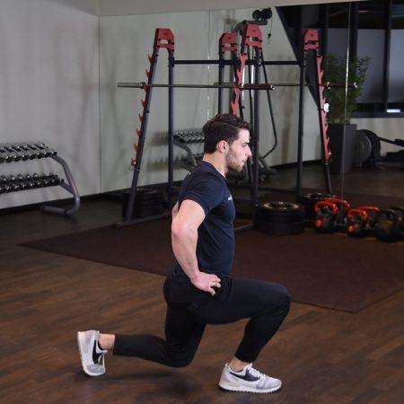 Ćwiczenie Przeskoki w wykroku - just be fit