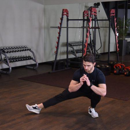 Ćwiczenie Przysiad kozacki - just be fit