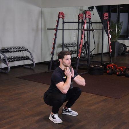 Przysiad z hantlą - goblet squat